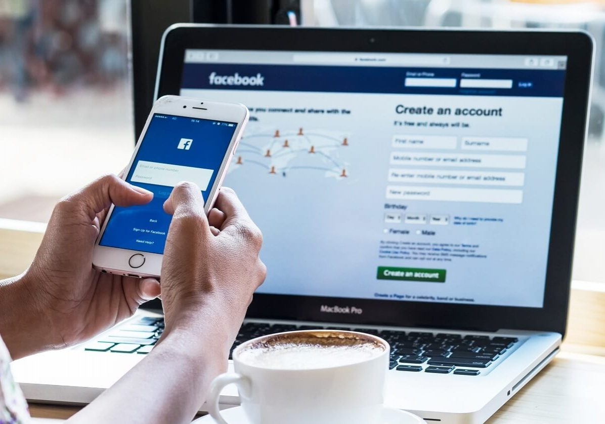 Facebook app in laptop and mobile